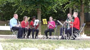 L'ensemble de clarinettes en concert au Biézin en juin 2011
